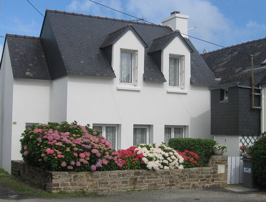 http://www.bretagnelocations.net/location/Francais/palu/paludiere-facade-begmeil.jpg